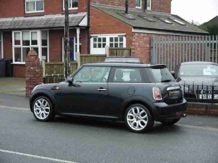 MINI Cooper with 17inch Alloys