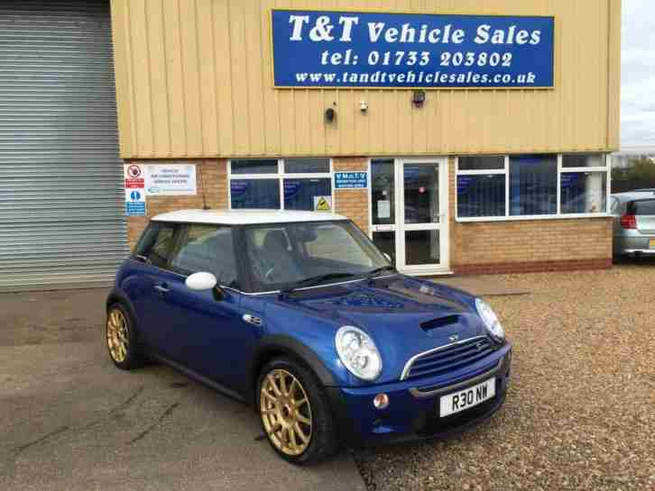 Mini Hatchback 1.6. Mini car from United Kingdom