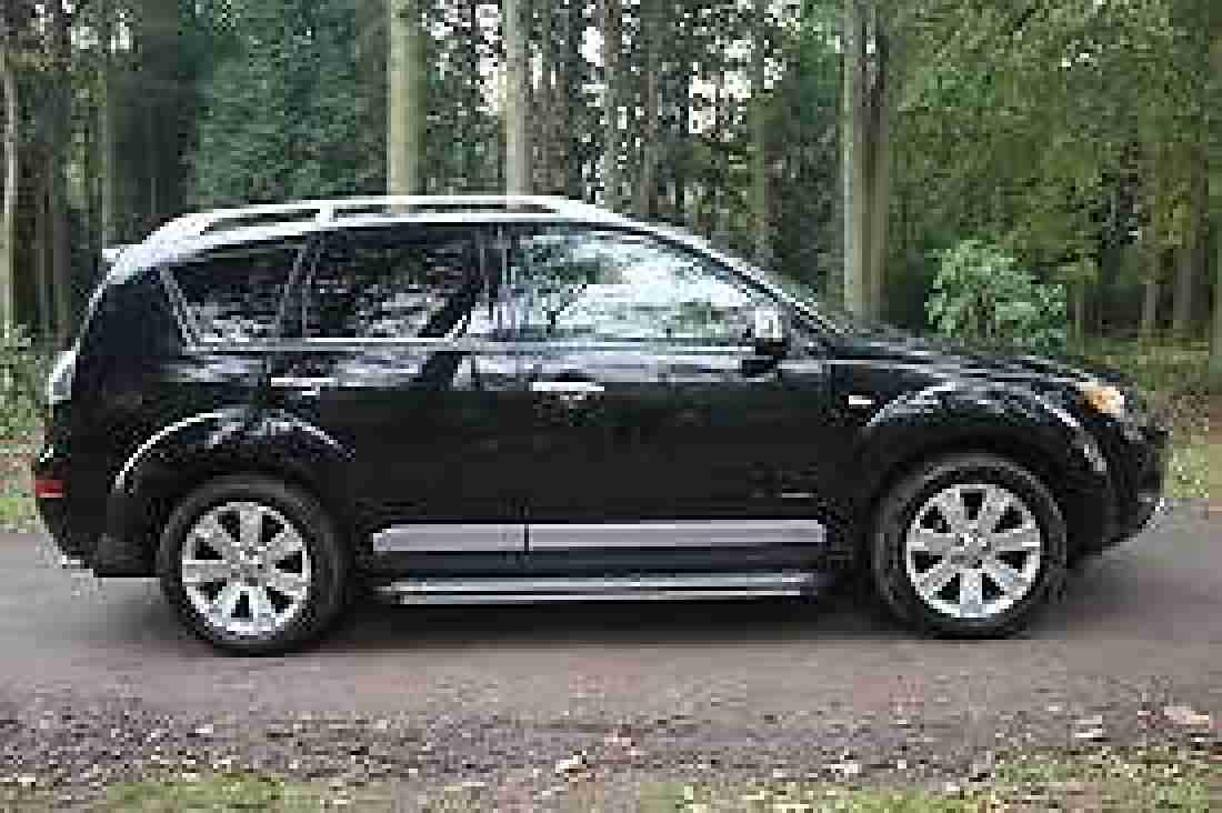 mitsubishi outlander diamond 7 seater diesel 4x4 manual 2 2 rear dvd. Black Bedroom Furniture Sets. Home Design Ideas