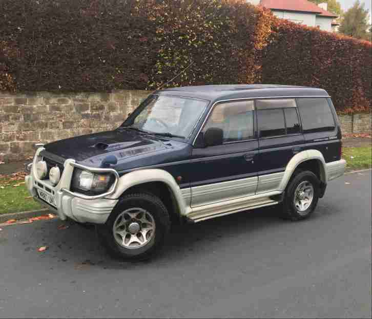 MITSUBISHI PAJERO 2.8TD. Land & Range Rover car from United Kingdom