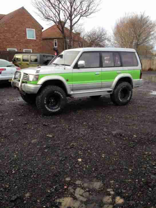 Mitsubishi PAJERO LWB. Mitsubishi car from United Kingdom