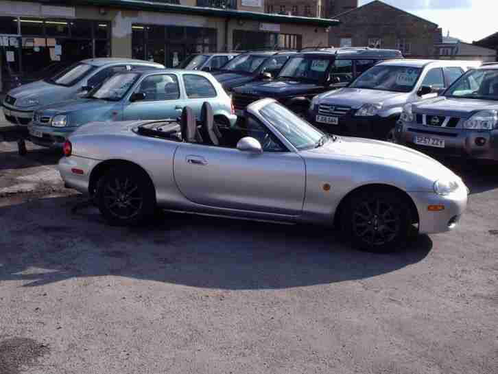 MX 5 1.8i Convertible 5speed manual.