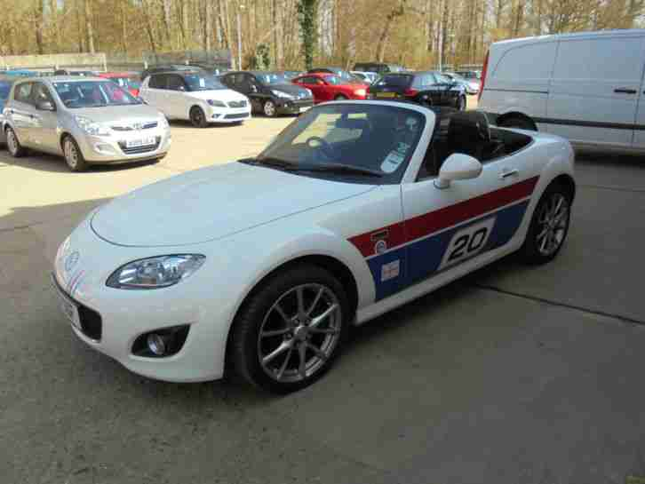 Mazda MX-5 20TH ANNIVERSARY in white 19,000 MILES
