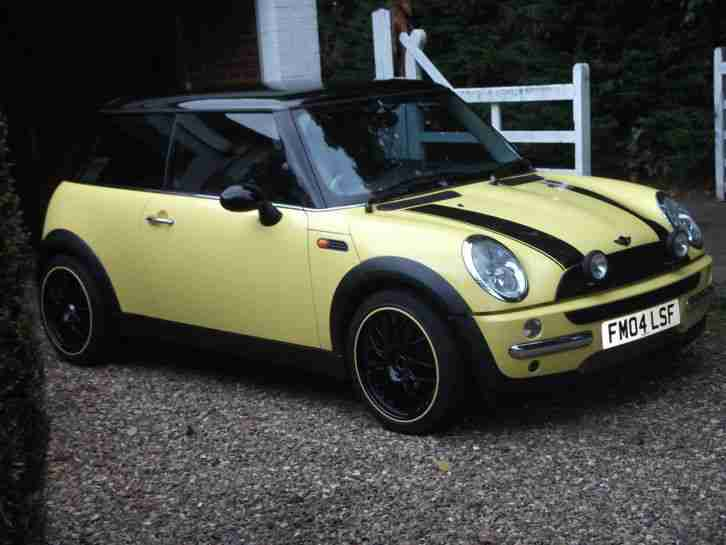 Cooper 04 yellow black roof with