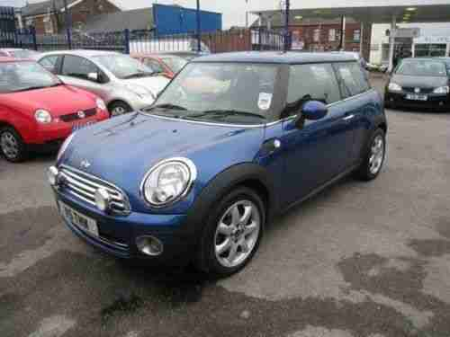 mini cooper 2006 56 blue part leather panoramic sunroof. Black Bedroom Furniture Sets. Home Design Ideas