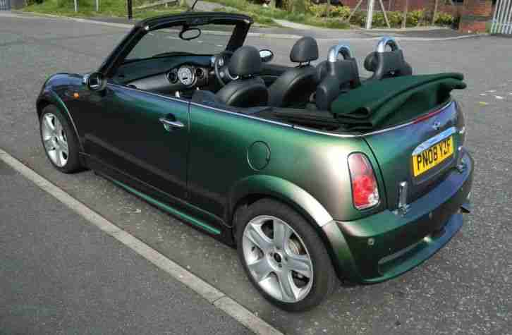Mini Cooper Convertible, with stunning one of a kind paint changing colour