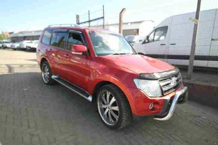 Mitsubishi Shogun 3.2TD. Mitsubishi car from United Kingdom