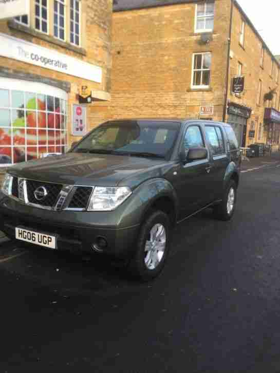 Nissan Pathfinder 4wd. Other car from United Kingdom