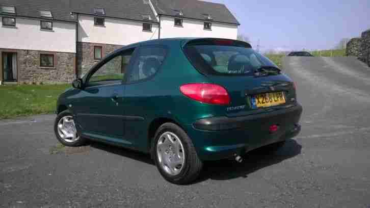 PEUGEOT 206 LX AUTO - low mileage and good service history.