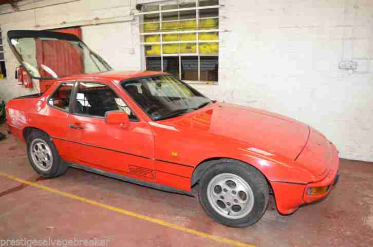 PORSCHE 924 S 2.5 guards red 1987 smart looking car so called barn find vintage