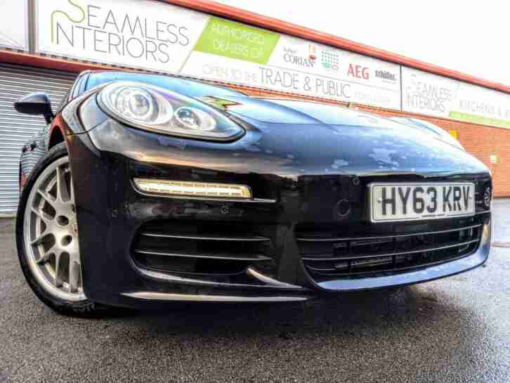 Porsche PANAMERA 3.0TD. Porsche car from United Kingdom