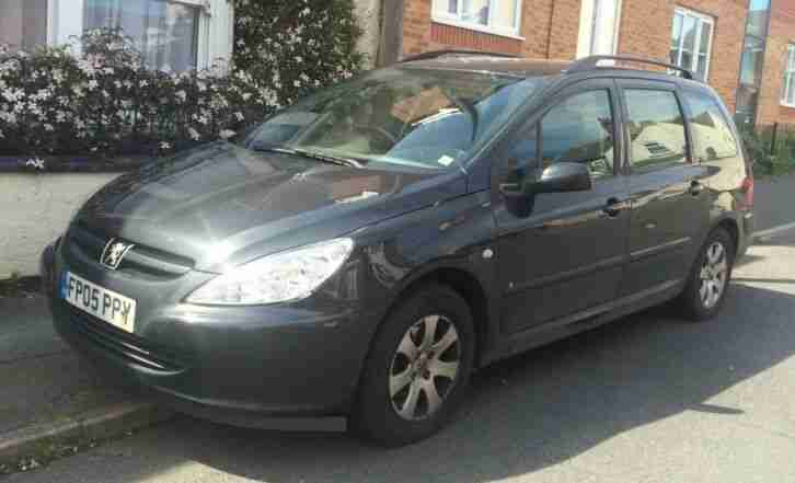Peugeot 307 S HDI 2 Litre Diesel Estate 2005 5 Door Black Hatchback 6 months MOT