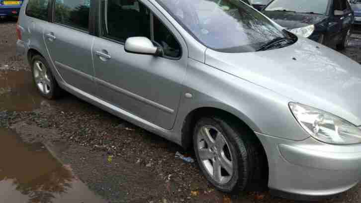 Peugeot 307 SW. Land & Range Rover car from United Kingdom