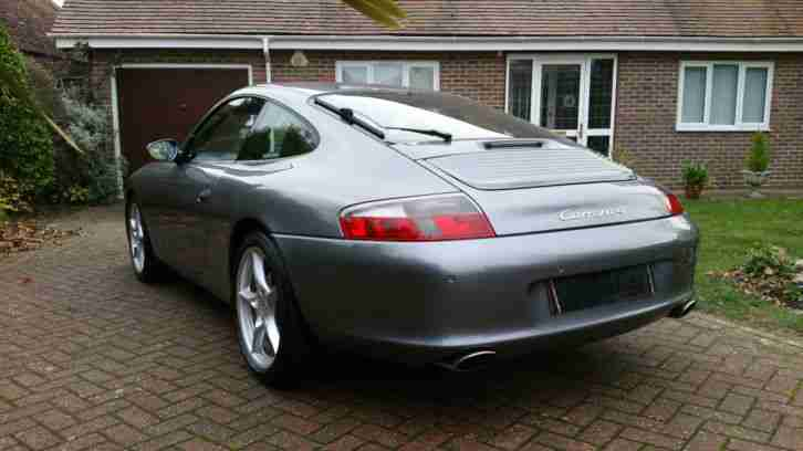 Porsche Carrera 4 in seal grey