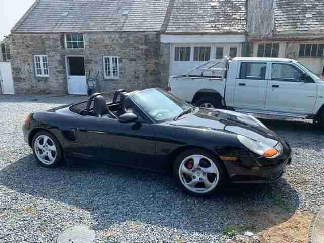 Porsche boxster 2.7 2001 comes with new mot and back on UK logbook can deliver