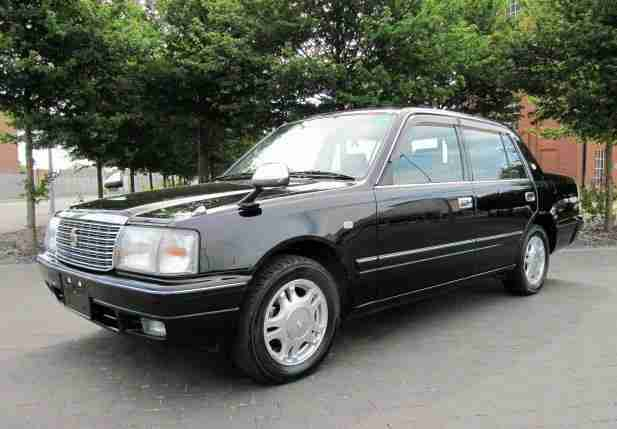 RARE RETRO TOYOTA CROWN 2.0 SUPER DX MILD HYBRID ELECTRIC TOP GRADE