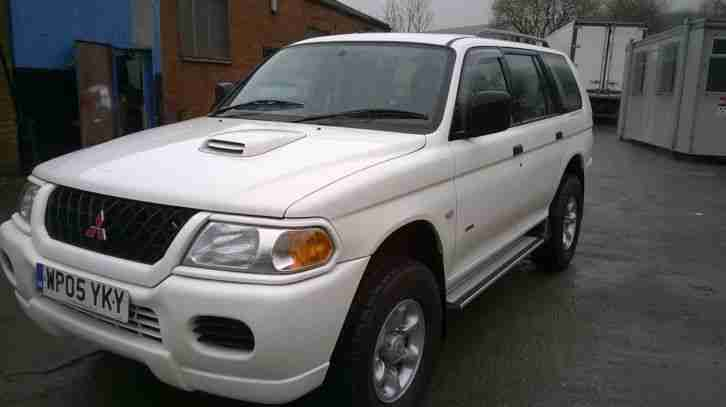 RARE WHITE 2005 SHOGUN SPORT HEAVY