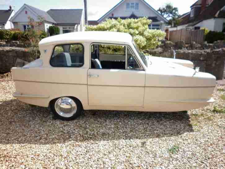 Reliant Regal 3 30 Saloon Beige 1969 Tax Exempt Car For Sale