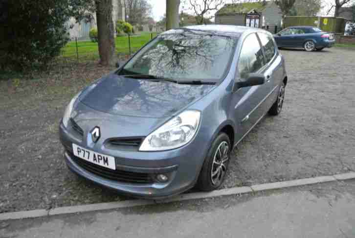 RENAULT CLIO 1.4 16V EXPRESSION LATE 2005 55 PLATE FACELIFT NEW SHAPE NICE CAR