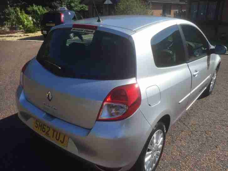 RENAULT CLIO, 5500 miles, expression plus 16v, 1.2, low insurance, Air con