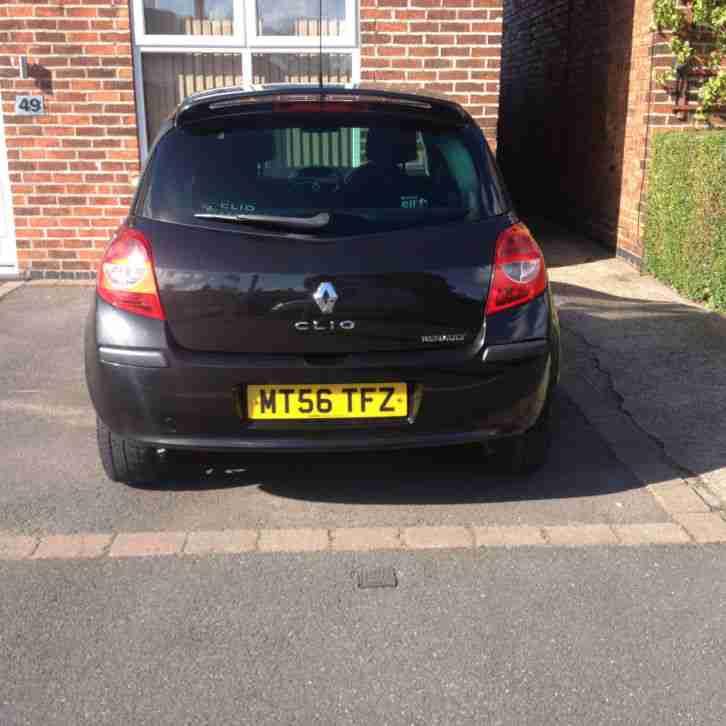 Renault Clio Black: Renault CLIO DYNAMIQUE S DCI 86 BLACK (56 REG). Car For Sale