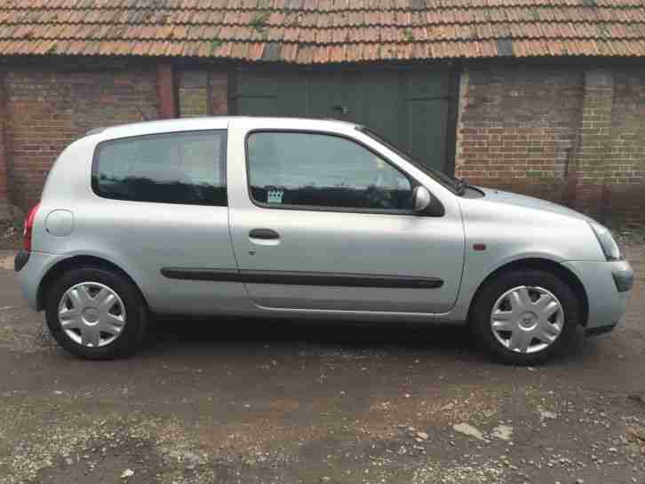 renault clio expression 1 2l 16v cheap insurance 2002 economical. Black Bedroom Furniture Sets. Home Design Ideas