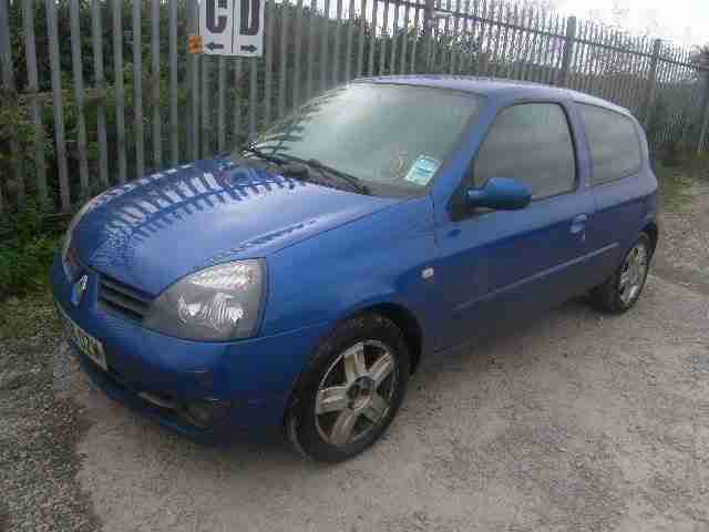 RENAULT CLIP 1.2 SPORT JUST HAS HAD NEW CLUTCH CHEAP TAX AND CHEAP INSURANCE
