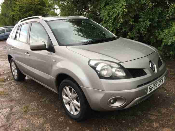 Renault KOLEOS 2.0. Renault car from United Kingdom