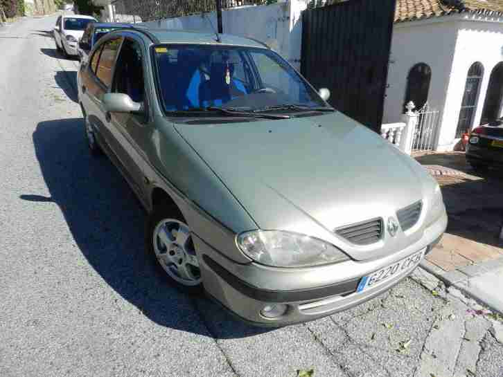RENAULT MEGANE SALOON 1,9 DIESEL LHD SPANISH REG THIS CAR IS IN SPAIN