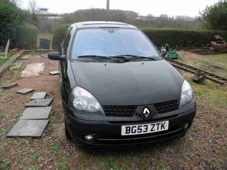Renault CLIO PETROL. Renault car from United Kingdom