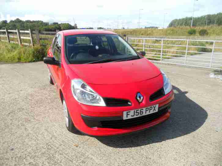 renault clio 1 2 16v 75 authentique car for sale. Black Bedroom Furniture Sets. Home Design Ideas