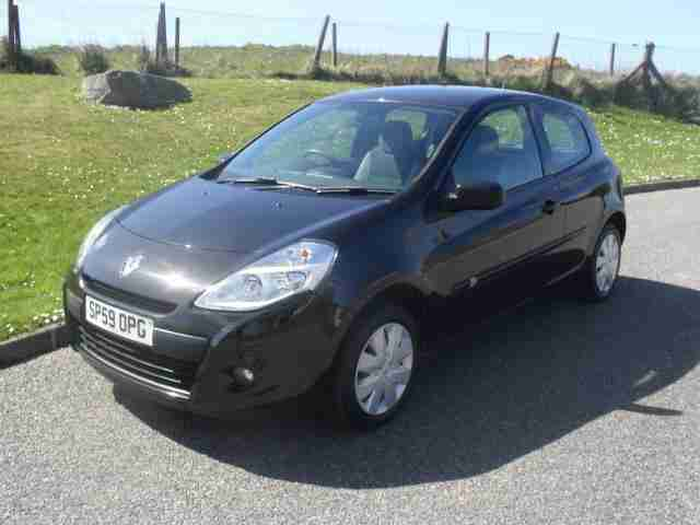 Renault Clio 1.2. Renault car from United Kingdom