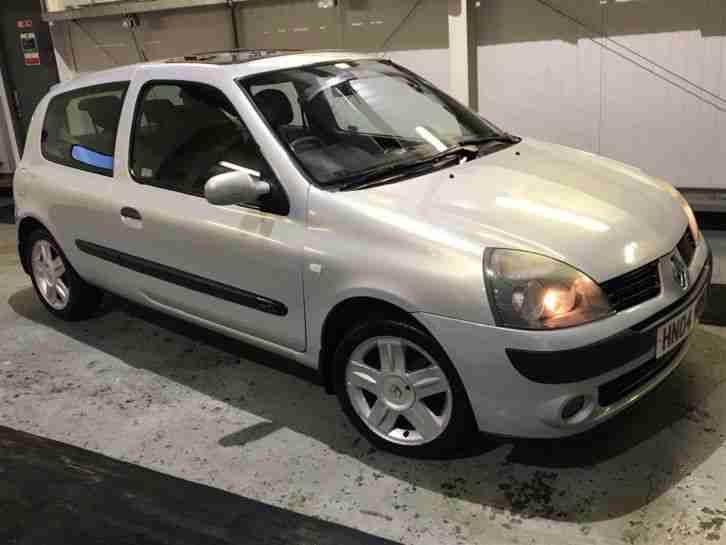 renault clio dynamic dci 65 1 5 2004 diesel 30 year road tax car for sale. Black Bedroom Furniture Sets. Home Design Ideas