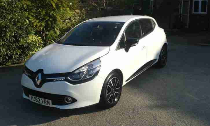 renault clio dynamique 1 2 16v 2013 63 white fsh 5 door 1 owner. Black Bedroom Furniture Sets. Home Design Ideas