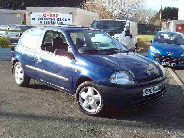 Clio Grande 1149cc 3 Door Hatchback