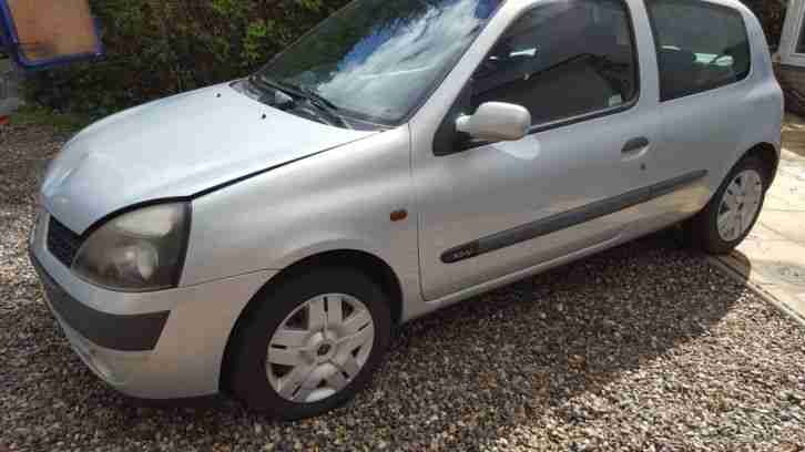 Clio ( Spares or repair ) Not Clio