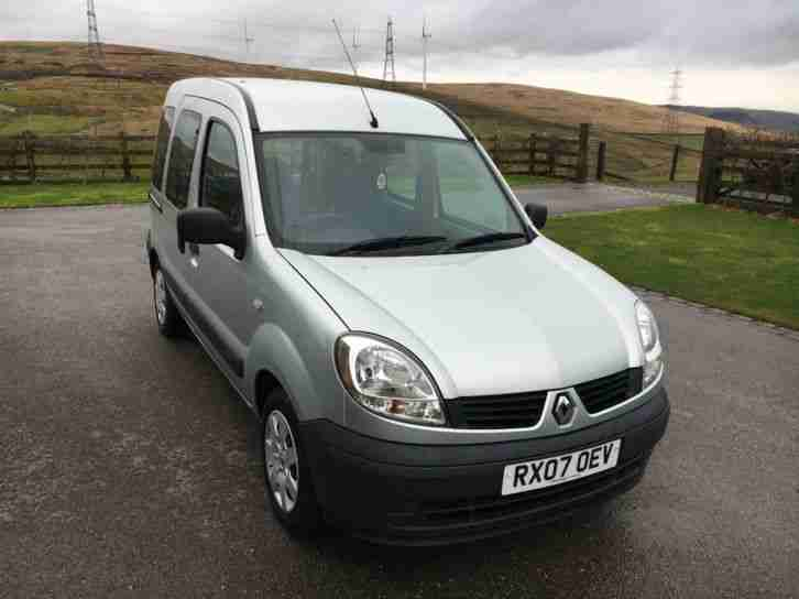 Renault KANGOO 1.6. Renault car from United Kingdom