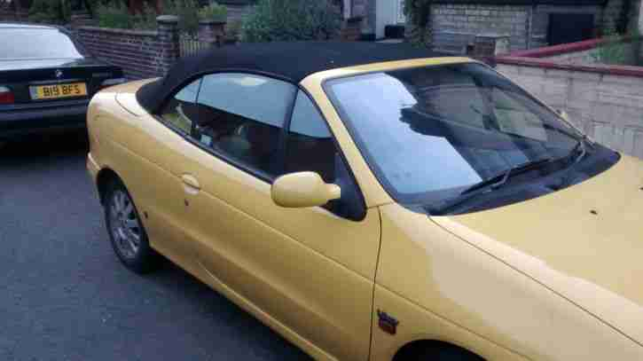 Renault Megane 1.6 Convertable Soft Top - Spares or Repairs