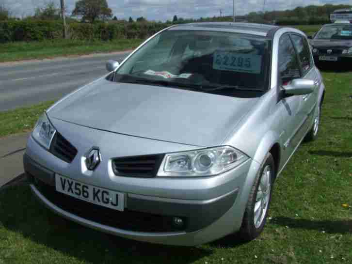 renault megane 130 non fap dynamique 6 speed car for sale. Black Bedroom Furniture Sets. Home Design Ideas