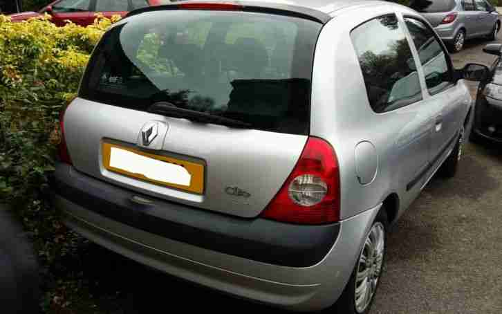 Renault Clio 2005. Renault car from United Kingdom