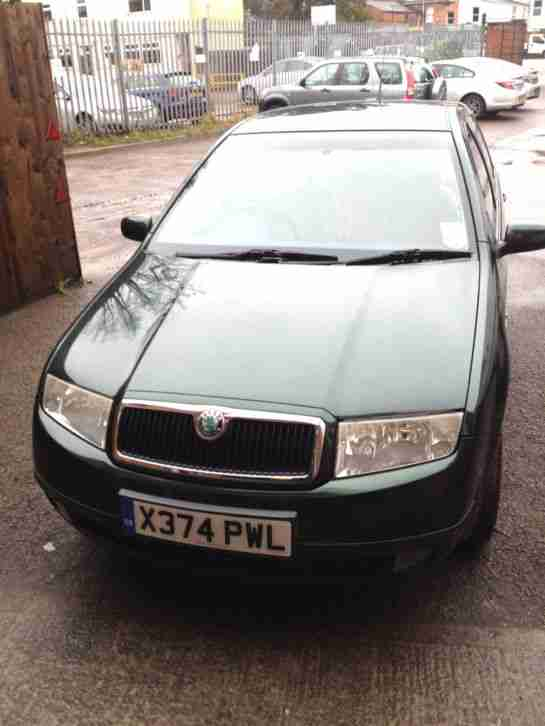SKODA FABIA ELEGANCE 16V GREEN LOW MILES 53,000 HIGHLINE NOV 2000/ 2001 MODEL