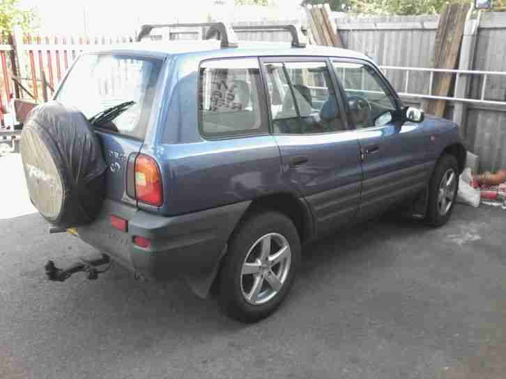 SPARES OR REPAIR. TOYOTA RAV4