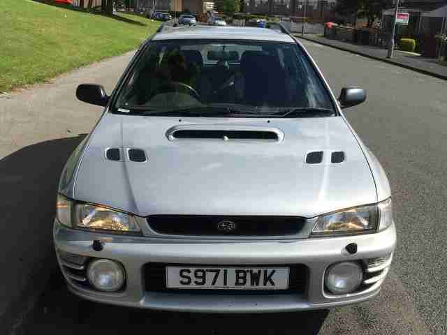 SUBARU IMPREZA 2.0 TURBO 2000, 16 SERVICE STAMPS+ CAMBELT CHANGED + HUGE EXHAUST