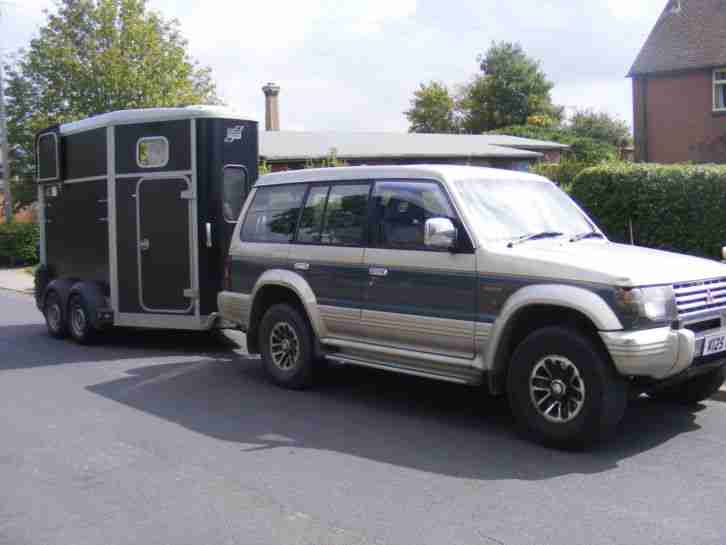 SUPER RELIABLE Mitsubishi Pajero LWB Exceed Intercooler 2.5 TD 7 Seater in VGC