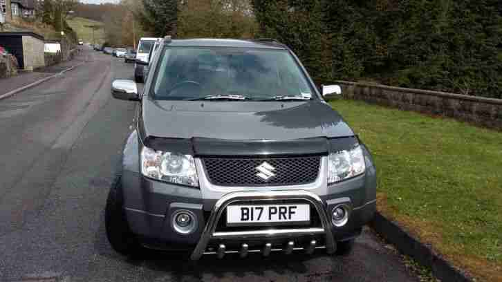 SUZUKI GRAND VITARA VVT GREY 4X4 3 door low mileage bargain.