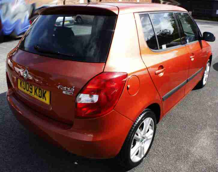 skoda fabia 3 automatic 2009 39 09 39 19 000 miles service history orange. Black Bedroom Furniture Sets. Home Design Ideas