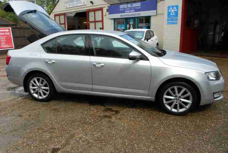 skoda 2012 12 fabia 1 6 tdi cr 105bhp dpf se car for sale. Black Bedroom Furniture Sets. Home Design Ideas