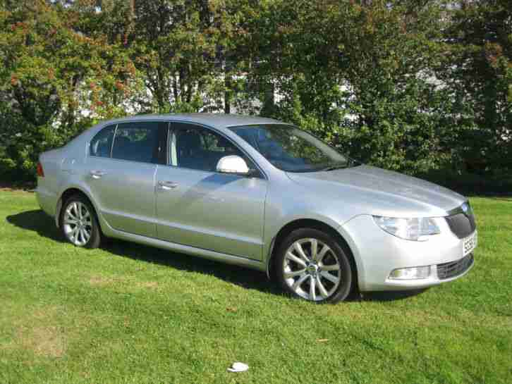 Superb 2.0TDI PD 140 SE 6 Speed Manual,