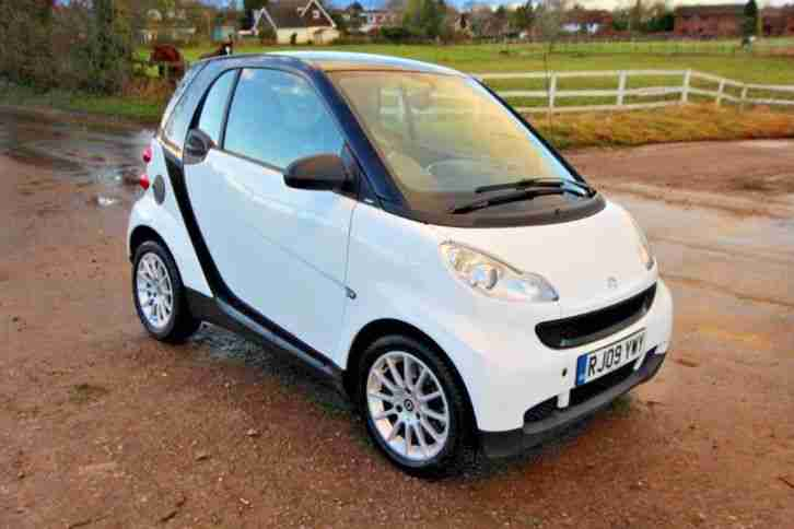 Smart Fortwo Passion. Smart car from United Kingdom