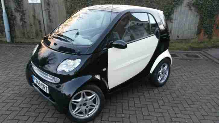 Smart Left hand. Smart car from United Kingdom